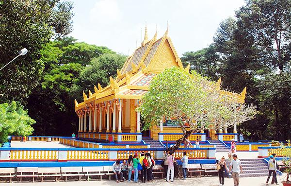 Đến thăm năm ngôi chùa có tiếng ở Đồng bằng sông Cửu Long